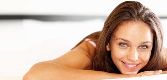Acaba con la piel grasa gracias a los cosméticos, blog hedonai